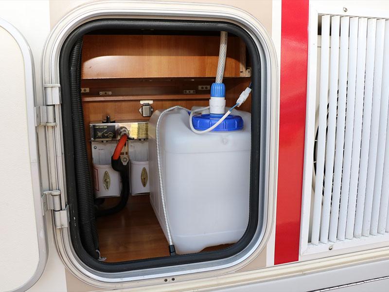 外部から上水道タンク給水可能