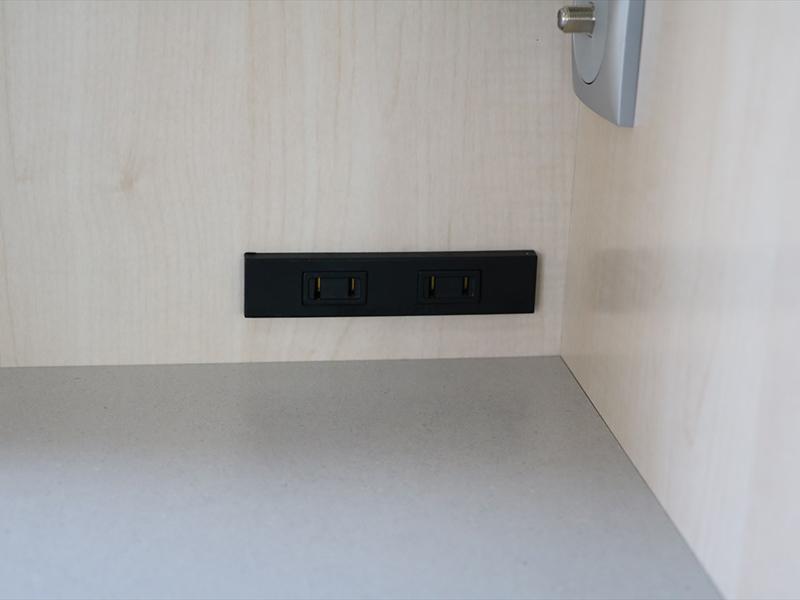 100ボルト電源(外部電源使用時のみ使用できます)